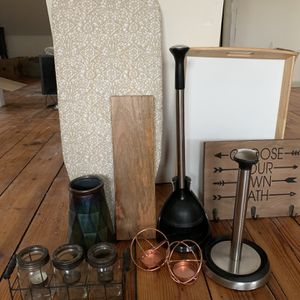 Home Essential Decor Items Bundled - Practically free! for Sale in Teaneck, NJ