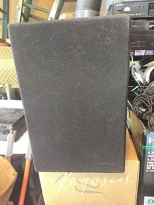 One Bose model 21 Speaker $10 for Sale in Marietta, GA