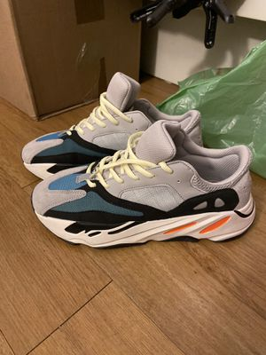 Yeezy 700 (wave runners) for Sale in The Bronx, NY