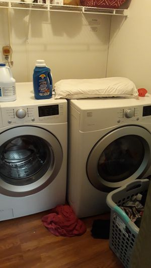 Kenmore front end washer and dryer paid 2500.00 7 months ago letting them go for 1200.00 for Sale in Windsor charter Township, MI