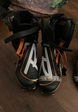 Rossignol skate ski boot size 37 for Sale in Leavenworth, WA