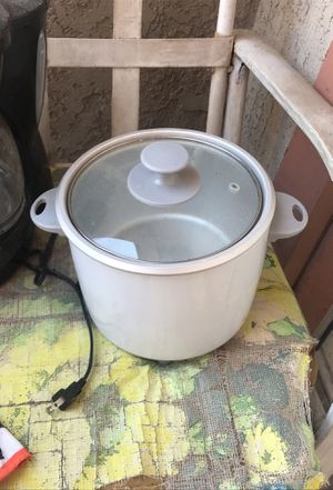 Crockpot for Sale in Moreno Valley, CA