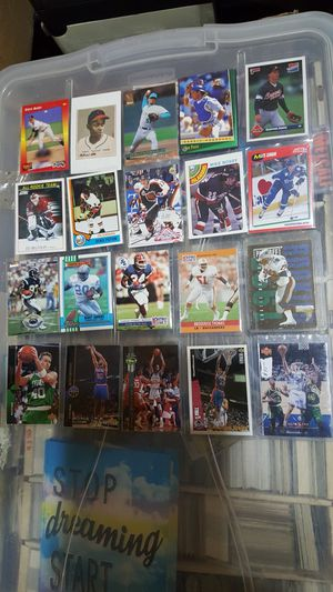 Sports cards all 20 hall of famers and its there rookie cards for Sale in Brooklyn, NY