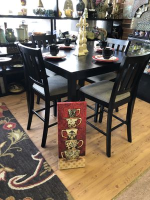 Floor sample counter height dinning set for Sale in Greensboro, NC