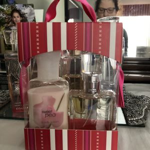 Sweet pea set from Bath and body Works for Sale in Romeoville, IL