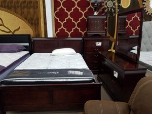 New in box cherry queen size 5pc bedroom set for Sale in College Park, MD