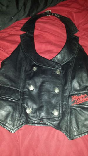 HARLEY DAVIDSON SMALL WOMEN'S VEST for Sale in Austin, TX