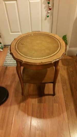 used antique table good condition pick up for Sale in Boston, MA