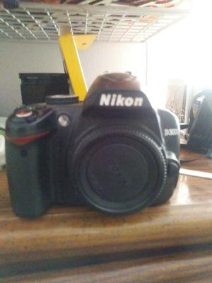 Nikon d3000 for Sale in Bakersfield, CA