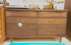 Mid Century Bassett Dresser w Mirror for Sale in Portland, OR