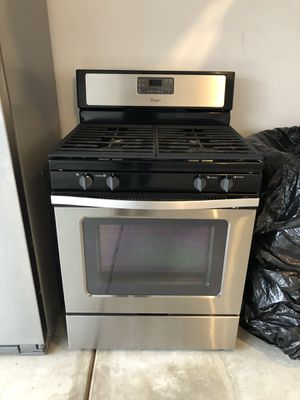 Whirlpool gas range/oven with broiler for Sale in Denver, CO