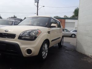 Kia soul 2013 5 speed manual for Sale in Rockville, MD