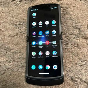 Like New Motorola Razr 5G 256gb 2020 AT&T Cricket trade Pixel 5 for Sale in Claremont, CA