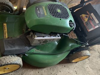 John Deere Self Propelled Lawnmower for Sale in Arvin,  CA
