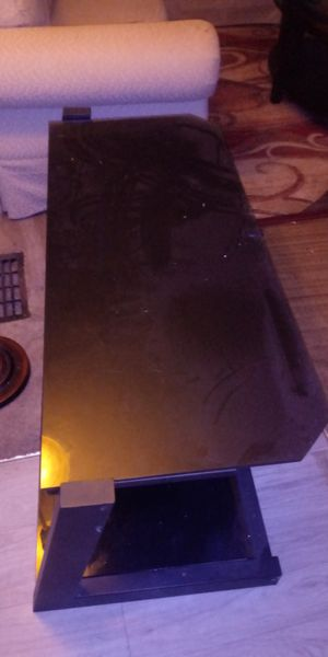 Black metal glass tv stand for Sale in Columbus, OH