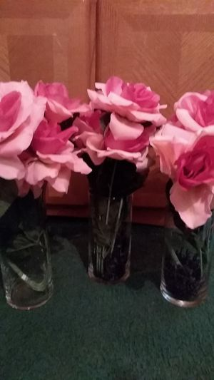 $$ 12 (3) piece set of Pink flowers Or $4.00 a flower vase locations Solon, Southgate, Maple Hts,Bedford,University Circle & Cleveland area as well. for Sale in Cleveland, OH