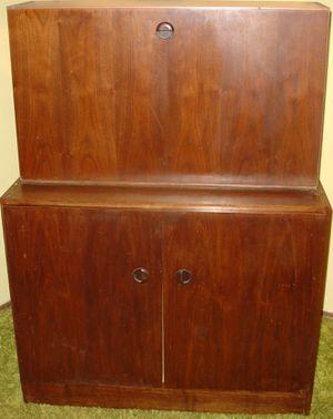 Desk Hutch Cabinet Furniture 2 Pieces for Sale in Warren, MI