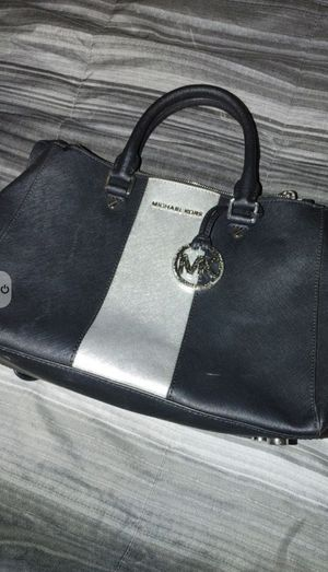Michael Kors Bag - need to sell for Sale in Henderson, NV
