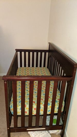 Toddler crib and mattress for Sale in Fremont, CA