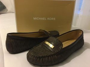 New Authentic Michael Kors Size 8.5 for Sale in Bellflower, CA
