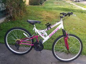 Mountain bike women bike size26 $50 for Sale in CRYSTAL CITY, CA