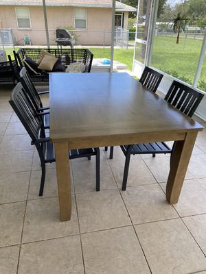 Table with 4 chairs for Sale in Lake Wales, FL