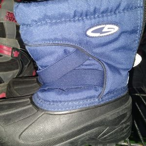 SIZE 9 TODDLER SNOW BOOTS for Sale in Santa Ana, CA