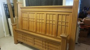 King bed frame for Sale in Land O' Lakes, FL