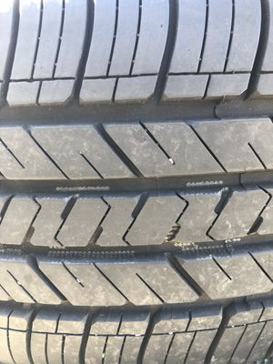 One used tire 235/45R18 Goodyear EAGLE LS2 $40 una llanta usada 235/45R18 Goodyear EAGLE LS2 $40 for Sale in Alexandria, VA