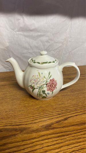 Authentic Noritake Casual Gourmet Tea Pot for Sale in Arlington, VA
