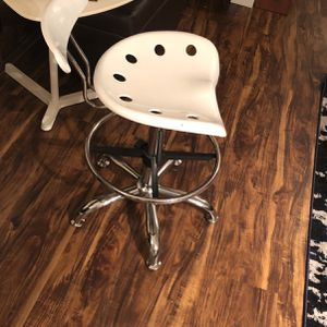 Modern Chair for Sale in SeaTac, WA