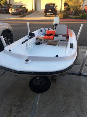 11' bay fishing boat w/ 8 hp Johnson outboard motor for Sale in San Diego, CA