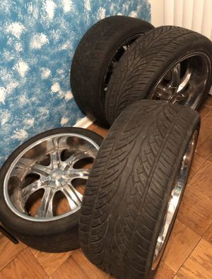 tires and wheels 265/40R22 for Sale in MONTGOMRY VLG, MD