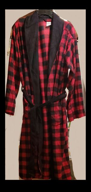 Fruit of the Loom Men's Fleece Shawl Collar Robe One Size NEW for Sale in Lorain, OH