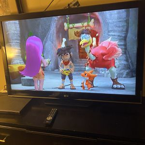 47 Inch Tv (not a Smart Tv) for Sale in Bakersfield, CA