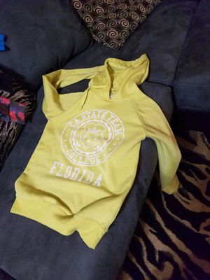 Sweater for Sale in Houston, TX