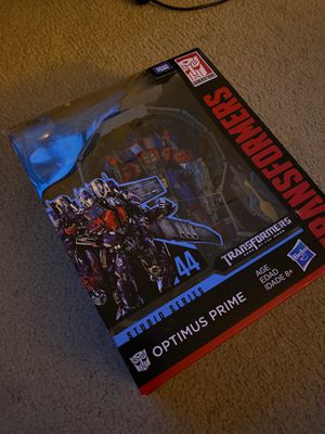 Transformers Dark of the Moon Studio Series Optimus Prime Action Figure for Sale in Palatine, IL