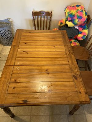 Free Table for Sale in Normal, IL