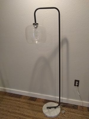 Black Iron Tahari floor lamp for Sale in Gig Harbor, WA