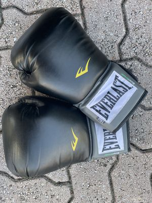 Everlast Boxing Gloves for Sale in Miami, FL
