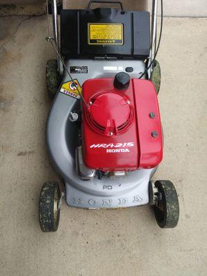 Super clean push Honda lawn mower for Sale in Bassett, CA