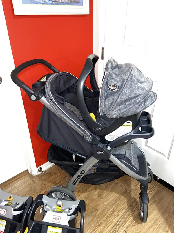 Chicco Bravo Travel System and Extra Base