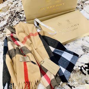 Designers cashmere scarf for Sale in Auburn, WA