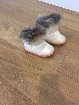 Winter girl snow boots for Sale in Puyallup, WA