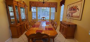 Beautiful Dining room table, hutch and buffet server. Seats 8 for Sale in Corona, CA