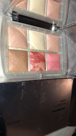HOURGLASS Ambient Lighting Edit Face Palette – Ghost for Sale in South Hill, WA