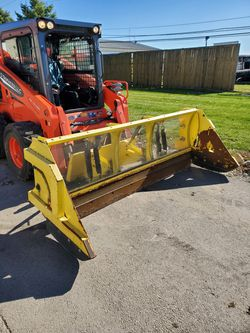 8' snowplow for Bobcat or any skid steer for Sale in Crest Hill,  IL