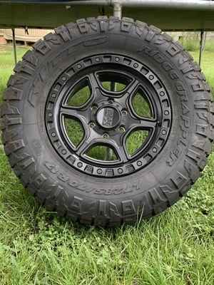 Kmc 17 inch wheels for Chevrolet Silverado /gmc Sierra 6 lug for Sale in Hockley, TX