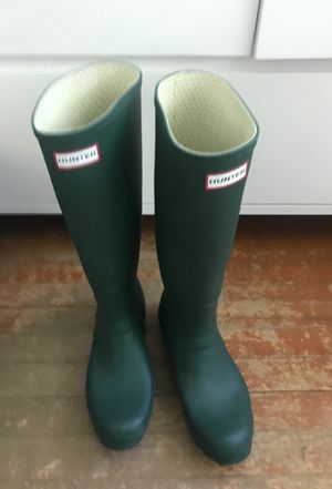 Size 10 Female Hunter Green Rainboots for Sale in Miami, FL