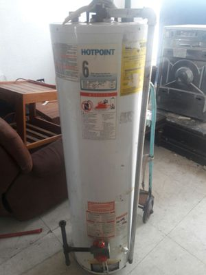 GAS HOT WATER TANK WORKS GREAT **FREE DELIVERY** for Sale in St. Louis, MO